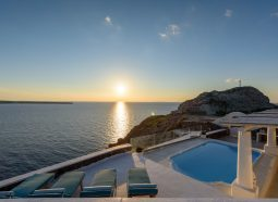 Ode Luxurious Villa in Oia of Santorini island