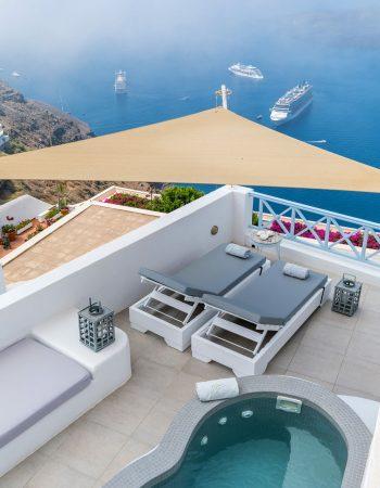 Blue Dolphins Apartments & Suites