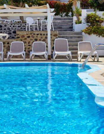 Nissos Thira Hotel