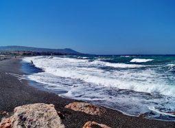 monolithos-beach