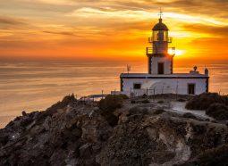 santorini-akrotiri-lighthouse-1938723_1920